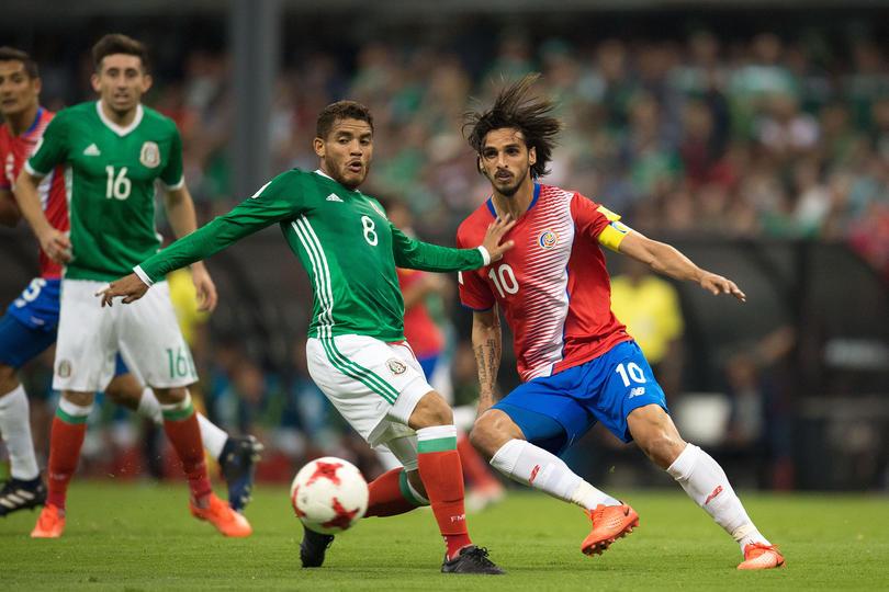Jonathan dos Santos inició su primer partido como titular en el Estadio Azteca y hasta habló después de ganarle a Costa Rica.