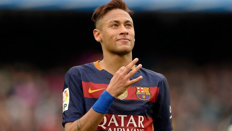 Mourinho calificó de absurda la idea de que el Manchester United ficharía a Neymar.