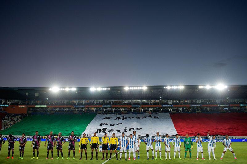La bandera que sacaron en el Estadio Hidalgo