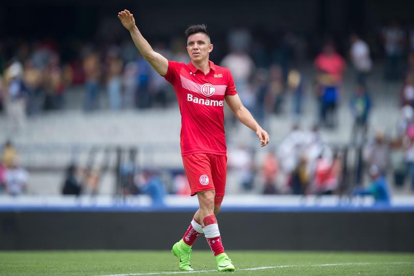 Efraín Velarde dejó claro que extraña a los Pumas después de ganarles en C.U. uno cero con el errorsote de Saldívar.