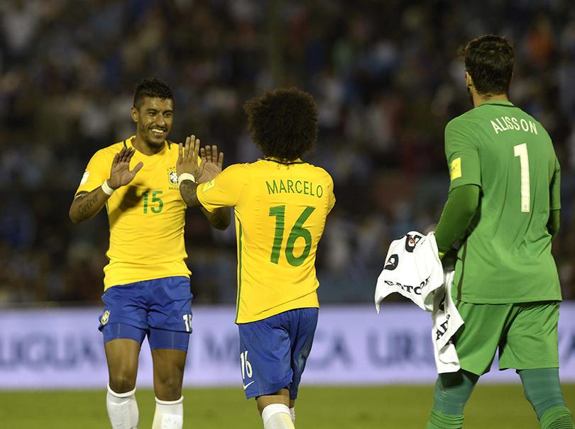 Aunque Paulinho anda desparramando talento en China, dicen que hay equipos de primerísimo nivel que ya le echaron un ojo para regresarlo a Europa en verano.