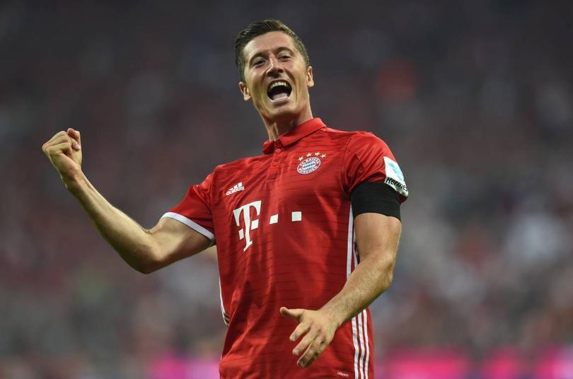 El Bayern ya hizo el viaje a Madrid para el partido de Champions y Lewandowski llegó con el equipo y hasta se dio el lujo de decir que sí va a jugar.