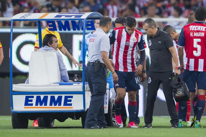 Las Chivas recién campeonas de la Copa MX podrían sufrir cuando jueguen contra Cruz Azul el sábado en el Azul.