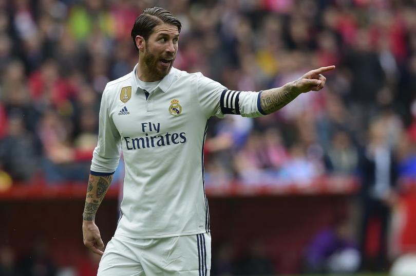 El Madrid a parte de estar molesto por perder el partido contra el Barça, está sufriendo por la expulsión de su capitán, Ramos. Dicen que van a apelarla.