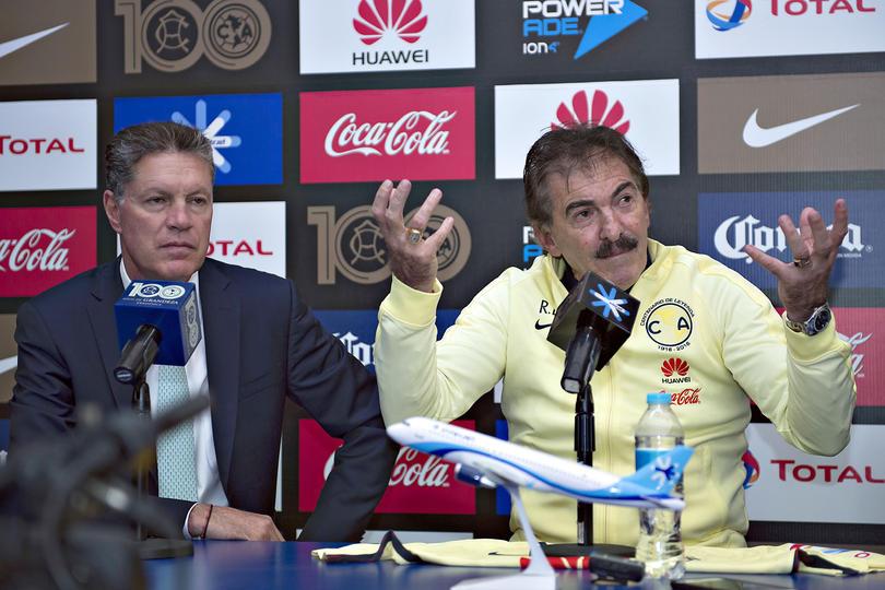 La Volpe y Peláez se irán del equipo