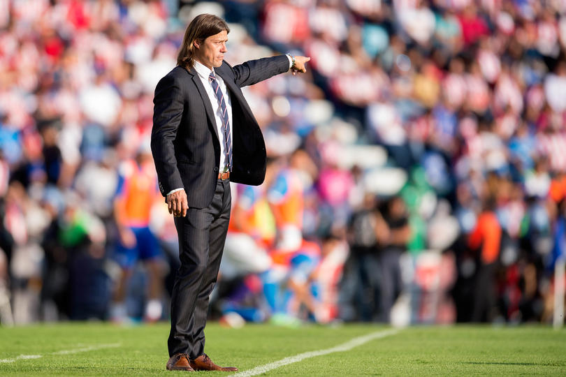 Para calmar los rumores que quieren mandar a Almeyda a otro club en cualquier parte del mundo, Vergara habló y dijo que sólo existen dos posibilidades para que se rompa el contrato.