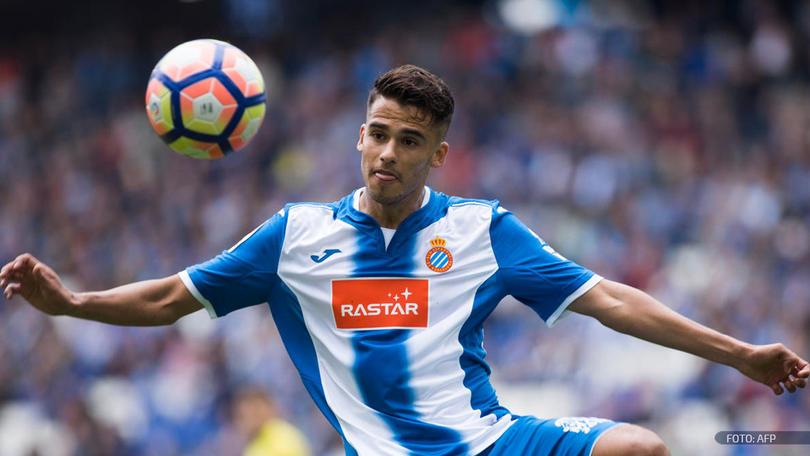 Dieguito Reyes anda entrando en depre porque no sabe dónde jugará la siguiente temporada, y es que a pesar de estar en el Espanyol, sólo está a préstamo desde el Porto.