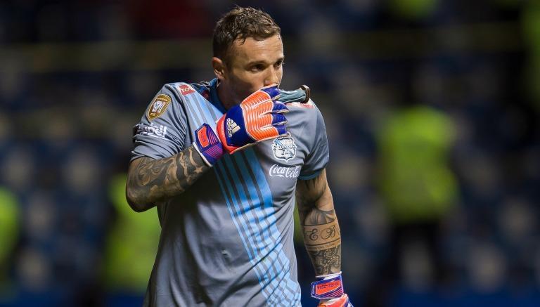 Pumas y Pikolín se separaron, pero el equipo ya tendría en la mira al portero que va a suplirlo y competir con Saldívar.