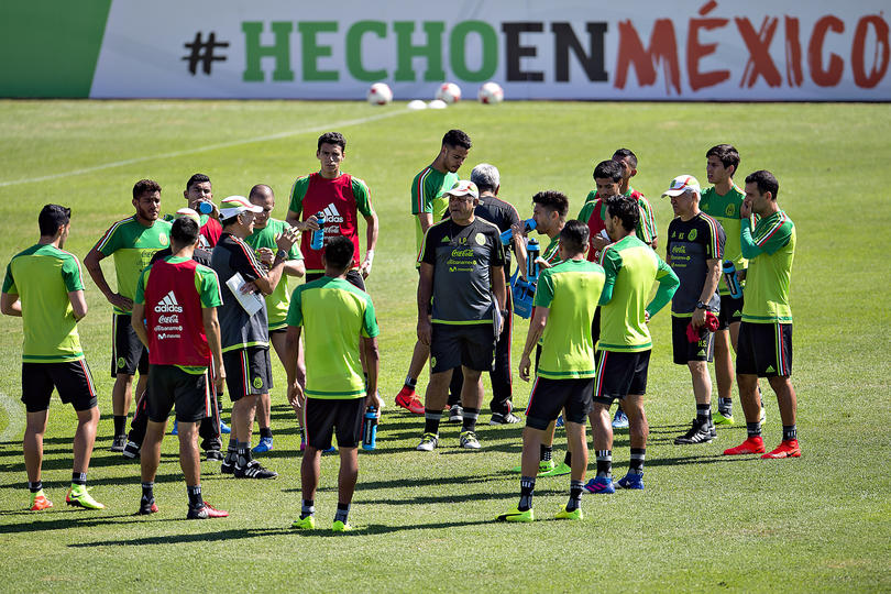 México va a jugar la Copa Oro y Copa Confederaciones en este verano y todo parece que la lista de los jugadores que van a ir a los torneos ya están filtrándose.