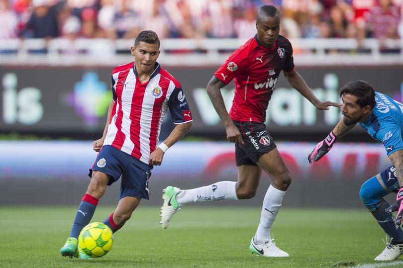 Orbelín Pineda fue ofrecido al Valencia