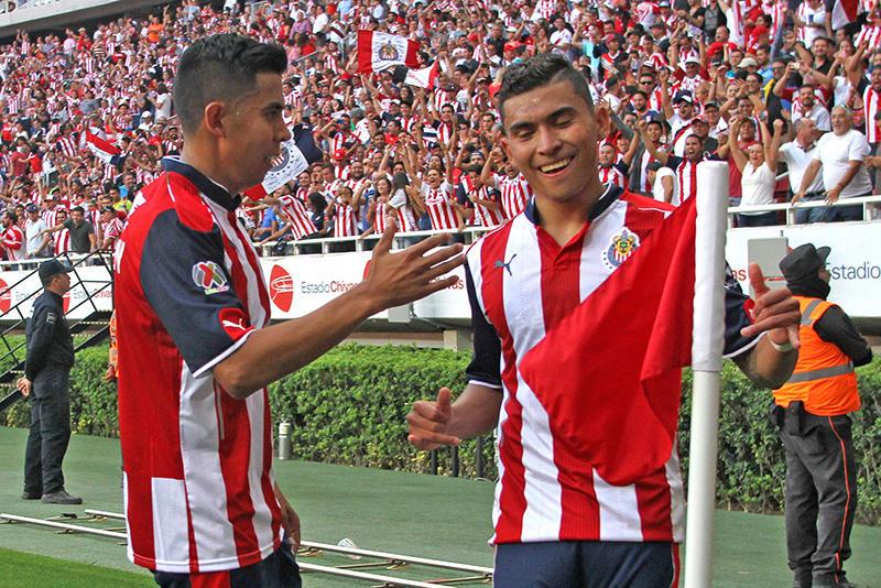 Orbelín Pineda celebrando un gol