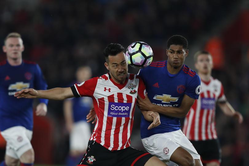 La Premier League castigará a los jugadores que finjan penal