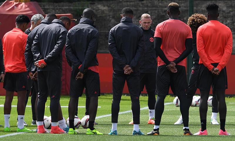 El Manchester United previo al entrenamiento de este martes