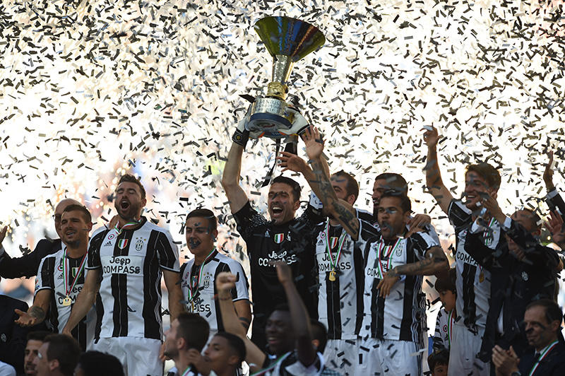 Juve con el título de la Coppa Italia