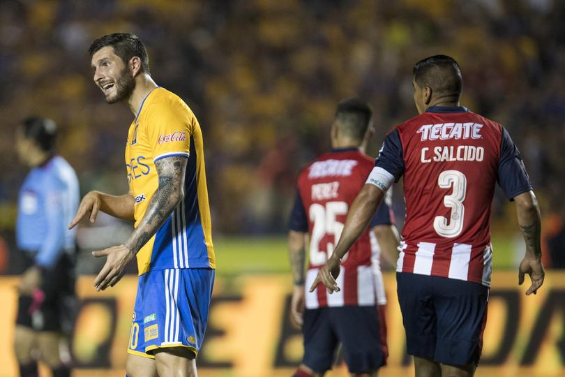 ¿Ustedes por dónde vieron la final de ida entre Tigres y Chivas? Según información de Televisa Deportes, dicen que su transmisión le ganó a la de Martinoli y el Dr. García.