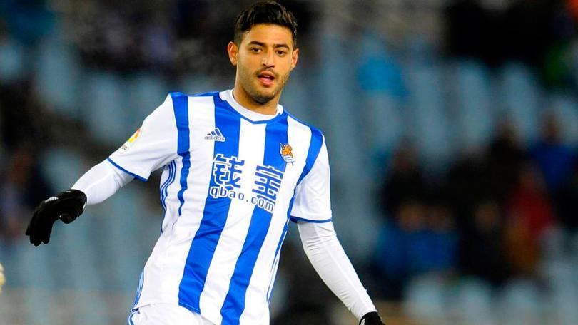 Después de que mi Carcklitos Vela dijera que los de Chivas ni lo buscaron, sale el rumor de que seguiría en el futbol de Europa aunque no en España.