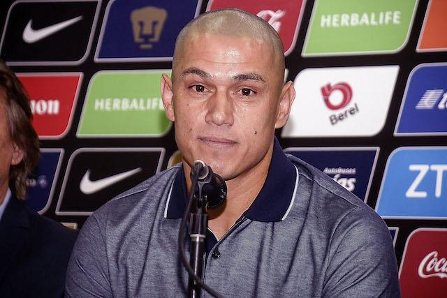 Darío Verón en su despedida de Pumas.