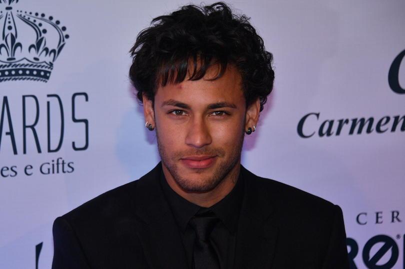 Neymar estrena look