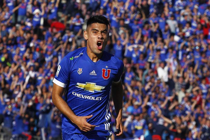 Felipe Mora  llegó a Cruz Azul con una lesión en la rodilla