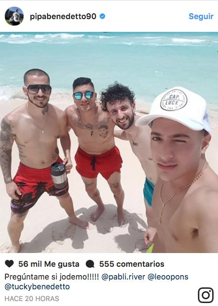 Bendetto de vacaciones en el Caribe mexicano.