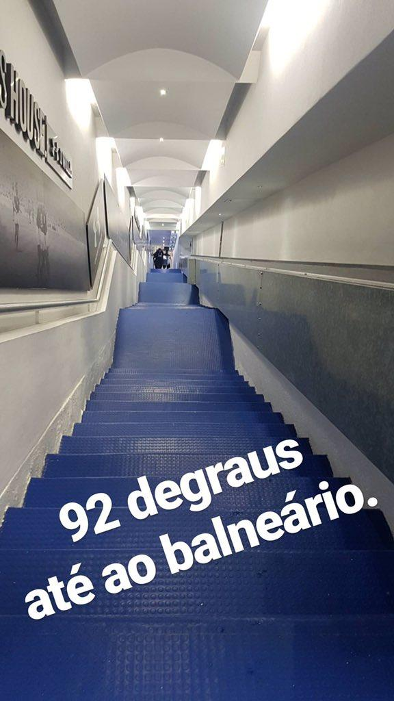 El Porto sufrió con las escaleras del Azul