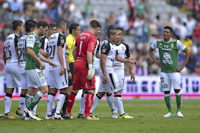 Erbin Trejo y El Pájaro Benitez se pelearon al terminar el juego contra León