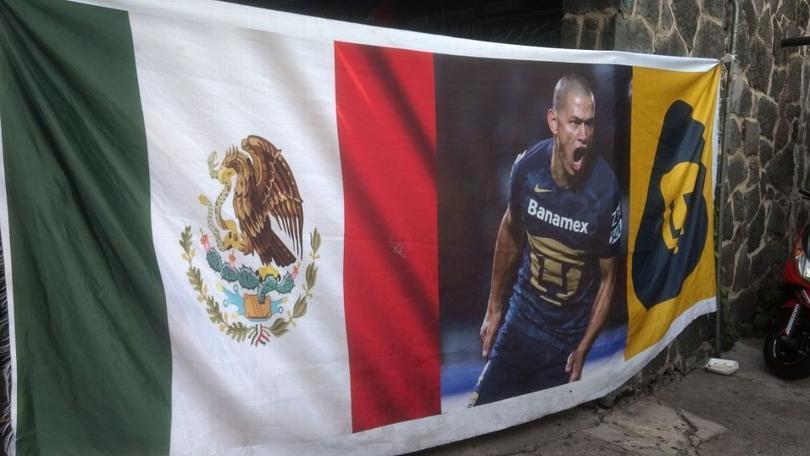 Verón naturalizado mexicano.