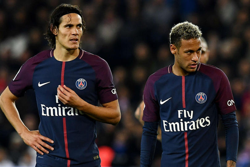 Cavani, rechaza jugosa oferta, no quiere cederle los penales a Neymar.
