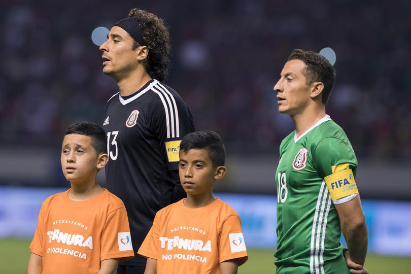 Andrés Guardado durante un partido de la Selección