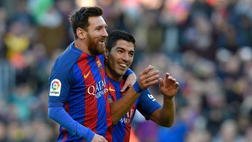 Barcelona va por un delantero.