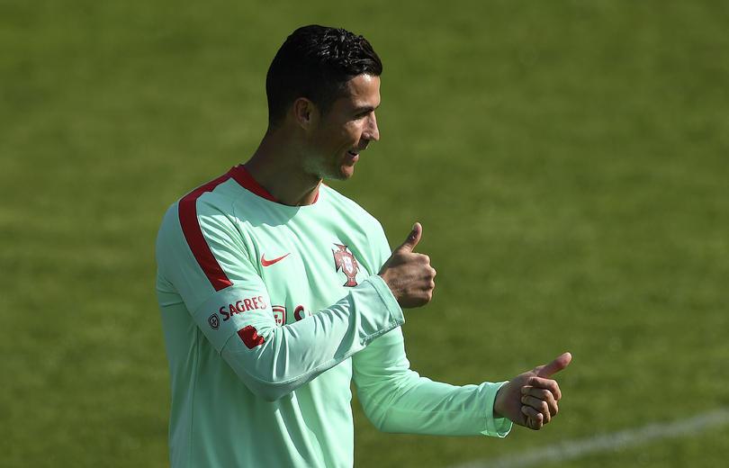Cristiano Ronaldo le hizo un caño a Borja