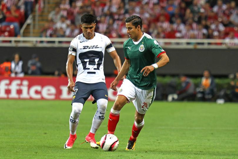 Carlos Cisneros contra Pumas