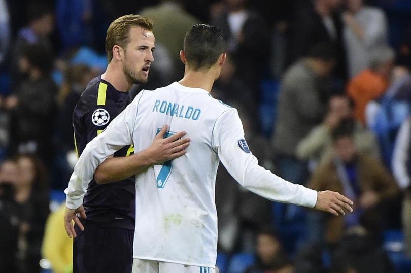 Kane junto a Cristiano Ronaldo