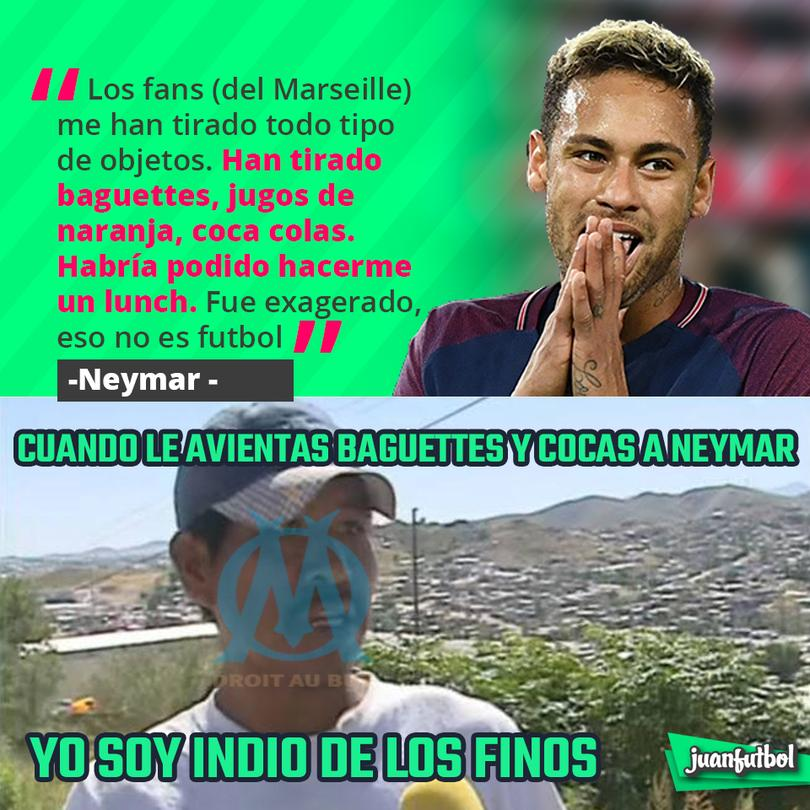 A Neymar le aventaron baguettes