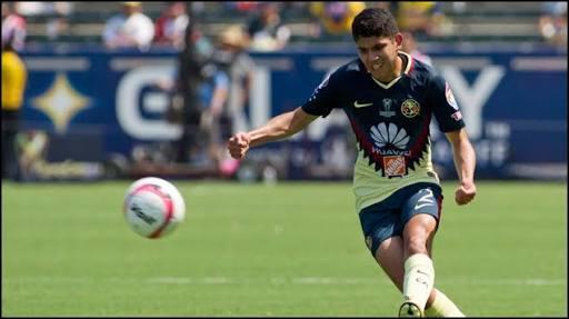 Vargas en partido del América.