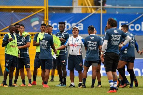 Pinto en un entrenamiento de la Selección de Honduras.