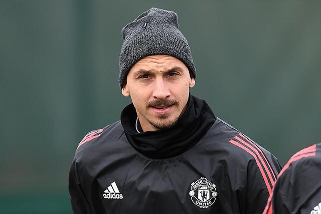 """Jugadores como Zlatan Ibrahimovic se han hecho llamar como """"El Dios del fubol"""""""