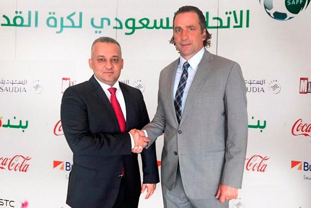 Pizzi fue presentado como nuevo técnico de Los Hijos del Desierto