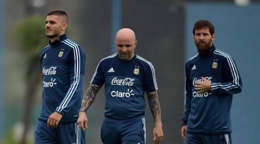 Jorge Sampaoli con Messi e Icardi