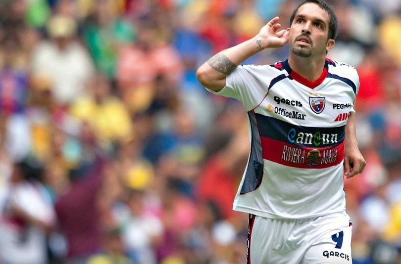 Maldonado celebra un gol