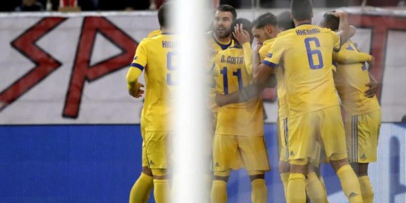 Los jugadores de la Juve celebran el primer gol del partido.