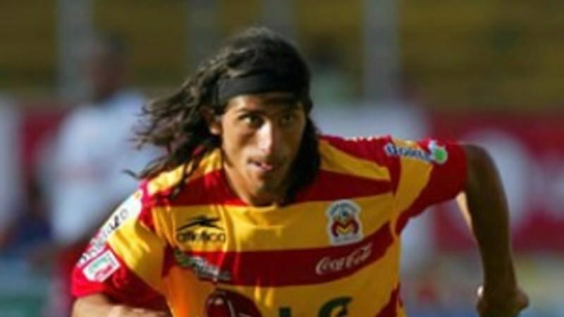 Álvarez con el jersey de Morelia