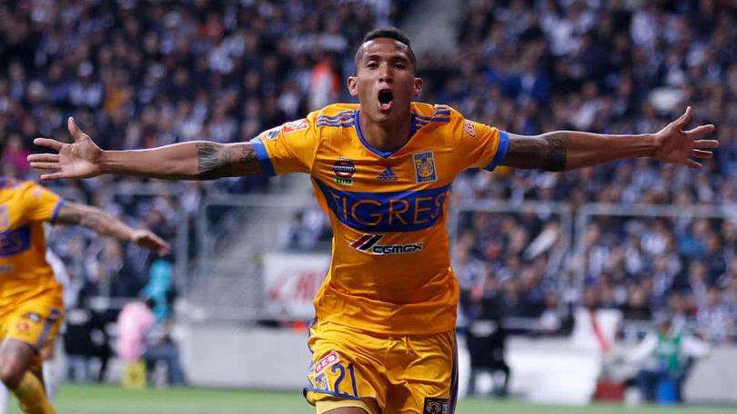 Francisco Meza celebra gol del título