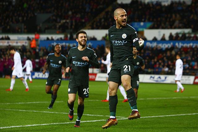 Silva celebrando uno de los cuatro goles.