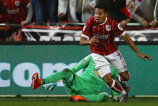 Korey Smith celebra el gol de la victoria frente al Man United