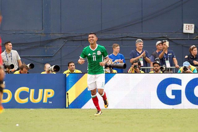Elías Hernández celebra su gol ante El Salvador en la Copa Oro