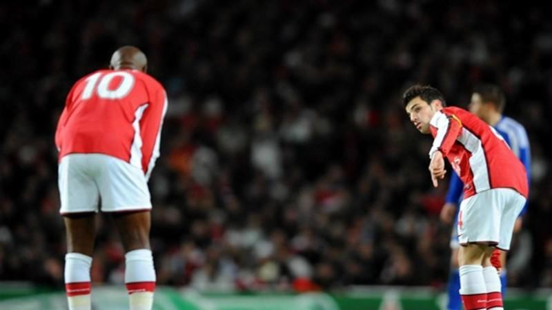Carlos Vela fue titular pero no pudo evitar la caída ante el Stoke City