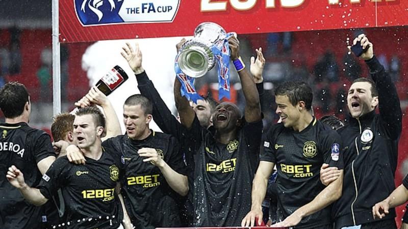 Wigan se coronó sorpresivamente en Wembley con un gol de último minuto