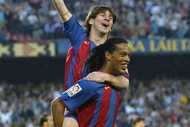Ronaldinho y Messi en el Barcelona