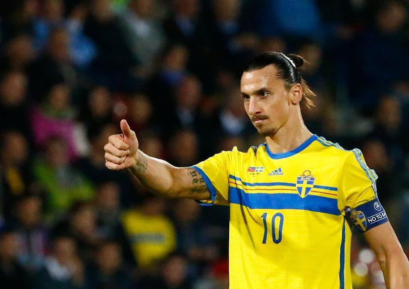 Zlatan en un partido con su selección.